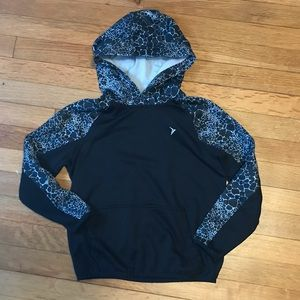 Boy's Old Navy active pullover hoodie size…